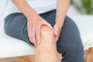 The Best Essential Oils and Natural Remedies for Knee Pain
